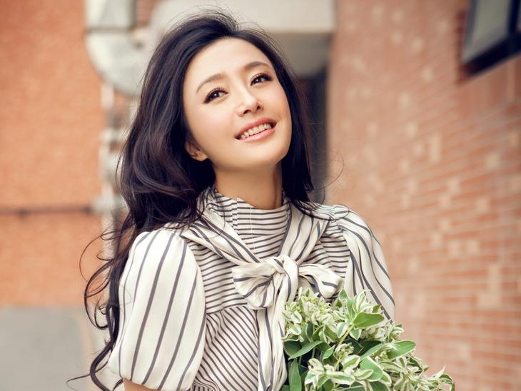 Tần Lam xinh tươi trong nắng hè