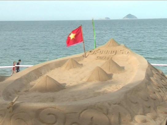 Triển lãm nghệ thuật điêu khắc trên cát