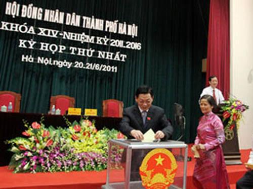 Phê chuẩn thành viên UBND thành phố Hà Nội nhiệm kỳ 2011-2016