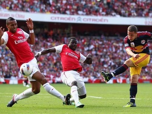 Arsenal chính thức bán Eboue cho Galatasaray