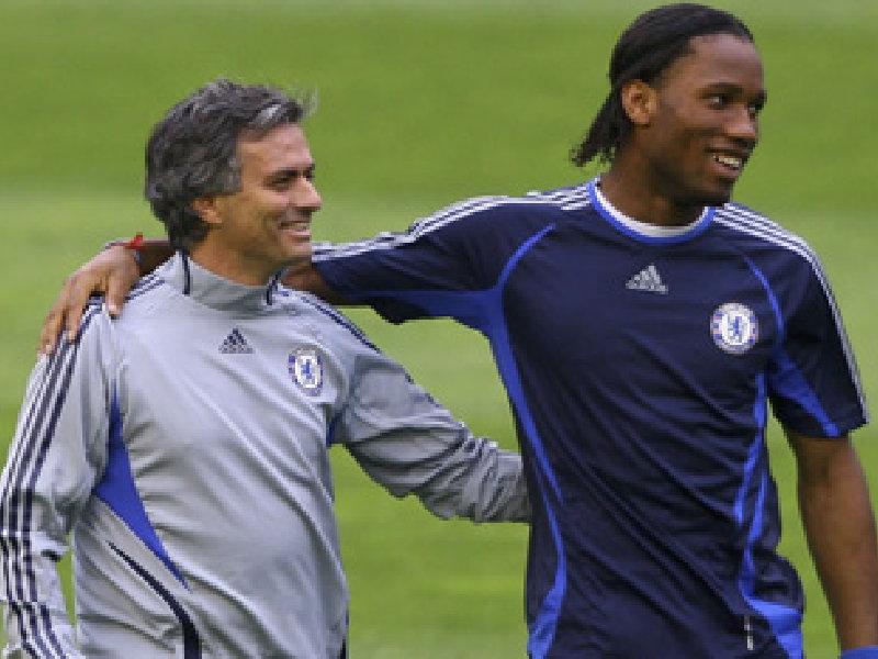 Drogba chia tay Chelsea: Khi người đàn ông 3 lần phải... khóc