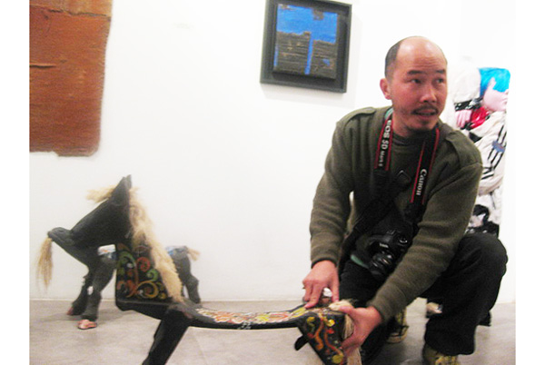 Điêu khắc gia Đinh Công Đạt bày triển lãm mới