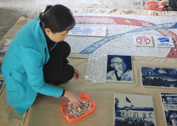 Họa sĩ Nguyễn Thu Thủy đến Pháp làm tranh gốm kỷ niệm 40 năm Hiệp định Paris