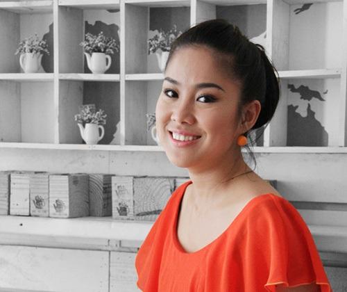 Người đẹp Lê Phương tái xuất sau 6 tháng làm mẹ