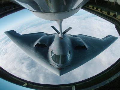 Sau B-52, Mỹ điều tiếp máy bay ném bom tàng hình B-2 tới Hàn Quốc