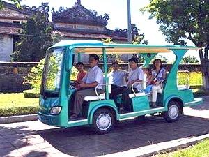 Hà Nội khởi động tuyến tham quan khu phố Pháp bằng xe điện dịp lễ 30/4 và 1/5