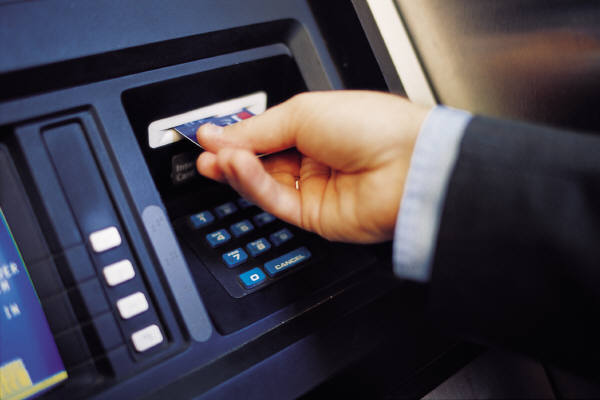 Vụ cướp ngân hàng chưa từng có: Lấy 45 triệu USD từ ATM
