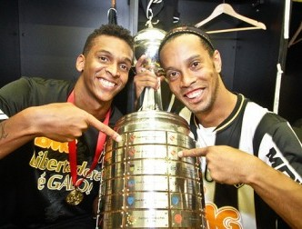 HLV Scolari 'giật mình' khi Ronaldinho đoạt Cúp Libertadores