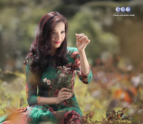 Ca sĩ Tân Nhàn trong album Chiều nắng