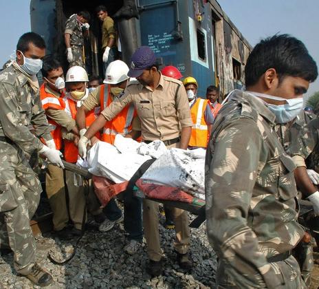 Hiện trường cháy tàu hỏa, 23 người thiệt mạng