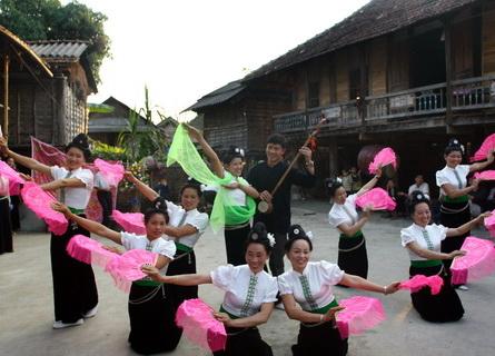 Người Thái ở Mường Lò gìn giữ 6 điệu xòe cổ