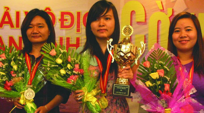 Hoa khôi tài năng của làng cờ Việt Nam