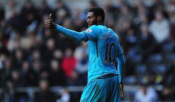 Emmanuel Adebayor: Khoác áo Tottenham, vẫn nhận tiền của Man City