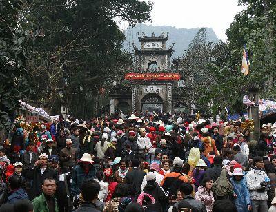 Để lễ hội Việt Nam thêm đẹp trong lòng du khách