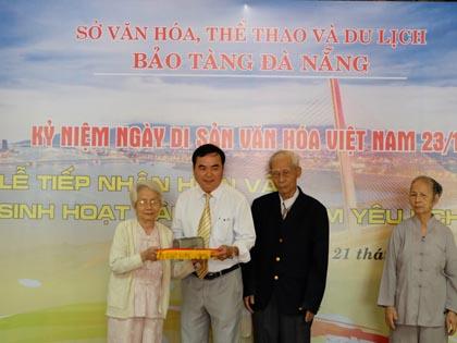 Bảo tàng Đà Nẵng tiếp nhận kỷ vật kháng chiến