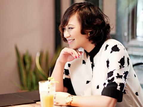 Ca sĩ Khánh Linh: Không phải đợi hạnh phúc ở cuối con đường