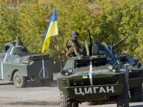 Ukraine tăng chi tiêu quốc phòng để đối phó với phe ly khai