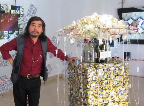 Mỹ Dũng lên đồng với triển lãm 'Biển báo'