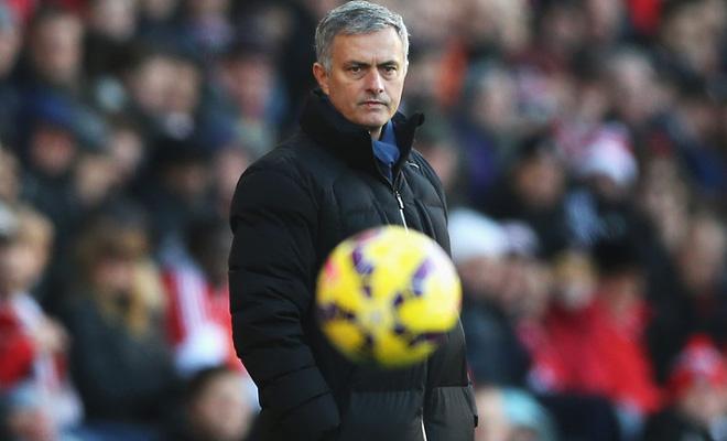 Chỉ trích trọng tài hay chiêu trò 'tâm lý chiến' của Jose Mourinho?