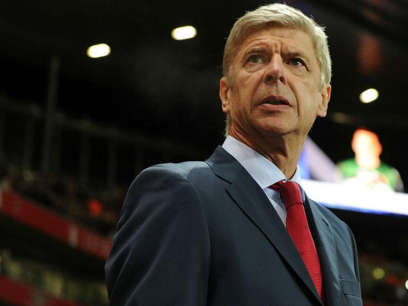 HLV Wenger làm việc 'ngày đêm' để tăng cường lực lượng cho Arsenal