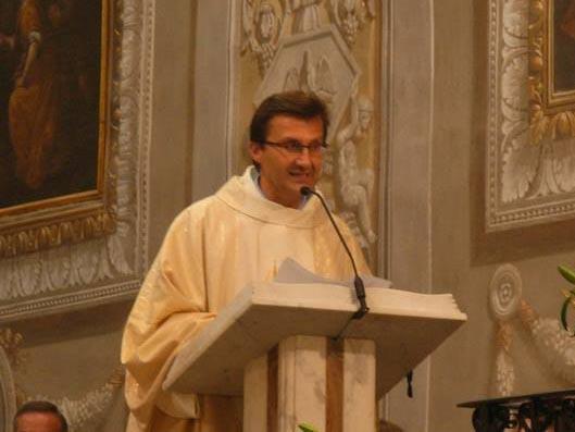 Italy: Khi cha xứ bỏ nhà thờ đi theo tình yêu