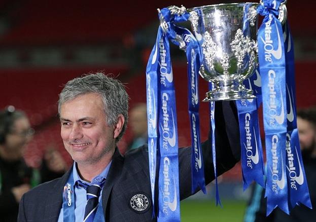 Chelsea: Tại sao Mourinho muốn 'giết' một trong các trợ lý của ông?