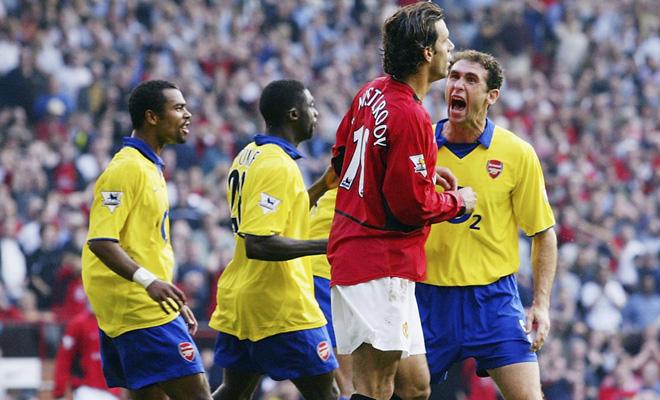 Arsene Wenger: Nhớ nhất hình ảnh Martin Keown quát vào mặt Van Nistelrooy