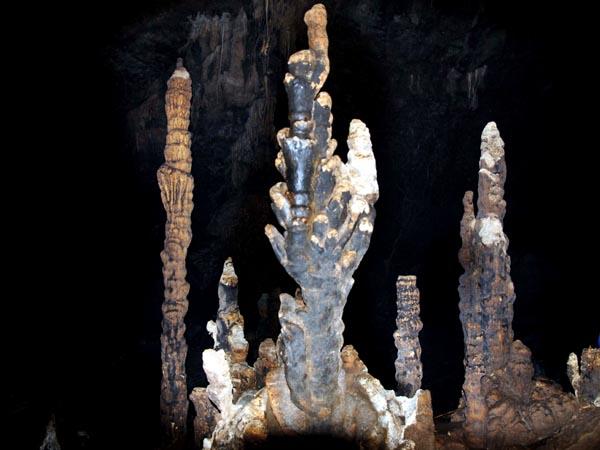 Ngắm hang động tuyệt đẹp mới phát hiện ở Cao nguyên đá Đồng Văn