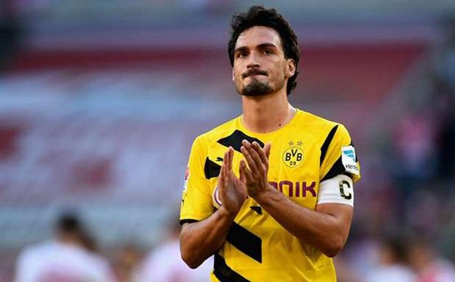 Huyền thoại bóng đá Đức khuyên Hummels đến Anh thi đấu