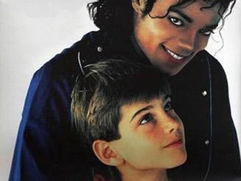 Michael Jackson lại bị 'tố' lạm dụng trẻ trai: Bi kịch từ tình yêu