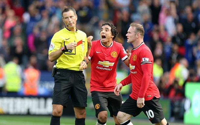 'Hung thần' của Man United cầm còi trận derby Manchester