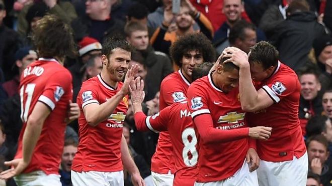 Manchester United đã 'hồi sinh' bằng cách nào?