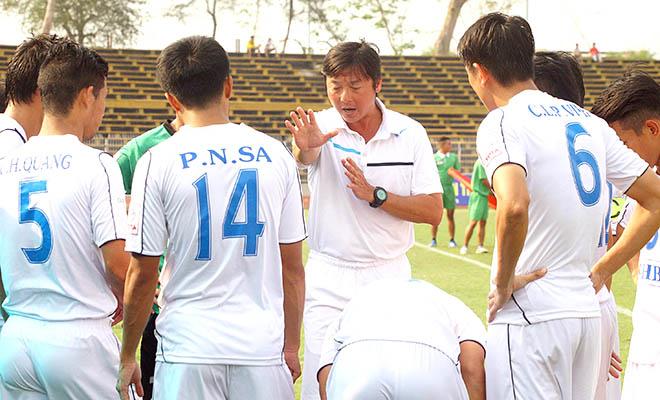 Ông Bùi Xuân Hòa, Tổng Giám đốc Công ty CP thể thao SHB Đà Nẵng: 'Thầy trò Huỳnh Đức đã vượt qua khó khăn'