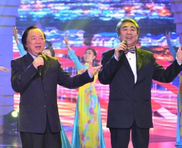 NSND Trung Kiên, NSND Quang Thọ hát với 1.000 khán giả