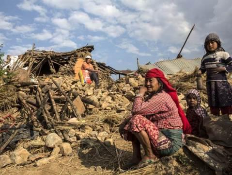 Động đất ở Nepal:  'Đã 1 tuần trôi qua nhưng chúng tôi không có quần áo thay'
