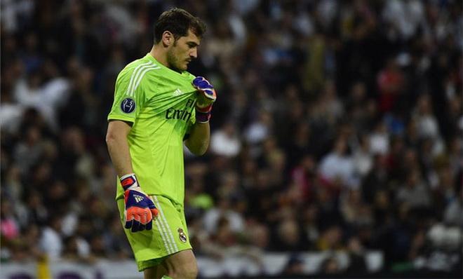Iker Casillas văng tục với CĐV Real Madrid