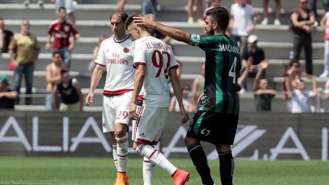 Bi kịch của fan Milan: Về sớm vì thua trận, gặp ngay vợ cặp bồ tại nhà