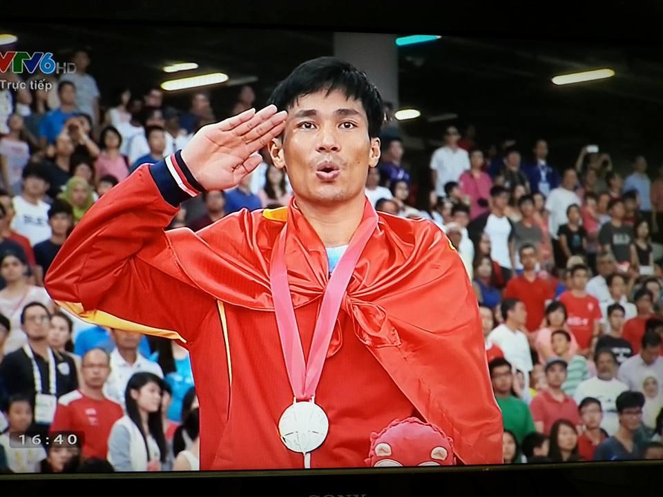 Kiện tướng điền kinh Nguyễn Văn Lai đoạt HCV và lập kỷ lục 5000m nam