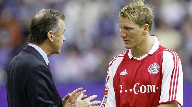 Các huyền thoại Bayern Munich muốn Schweinsteiger rời Bayern Munich