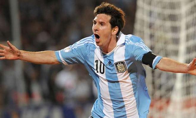 James Rodriguez: 'Messi đến từ hành tinh khác, tôi không so được'
