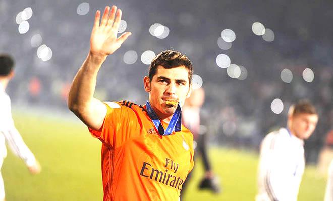 Mỗi ngày, Casillas lại xa Real thêm một chút...
