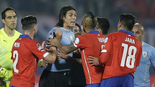 Cầu thủ quấy rối Edinson Cavani bị loại khỏi Copa America