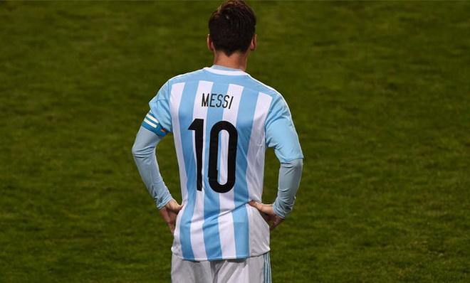 Thoát chết nhờ gọi tên... Messi