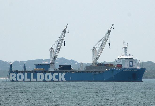 Ngày 2/7, hạ chìm một phần tàu Rolldock Storm đưa tàu ngầm Kilo Đà Nẵng ra ngoài