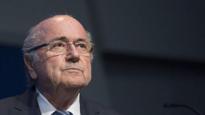 Sepp Blatter không rời Thụy Sĩ vì sợ bị bắt