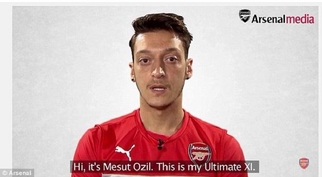 Serge Gnabry có mặt trong đội hình yêu thích của Mesut Oezil