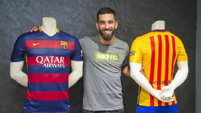 Barca bị chỉ trích vì chiêu mộ Arda Turan quá nhanh