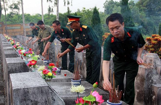 Cầu siêu tưởng nhớ các liệt sĩ Sư đoàn 356 hi sinh tại Vị Xuyên tháng 7 năm 1984