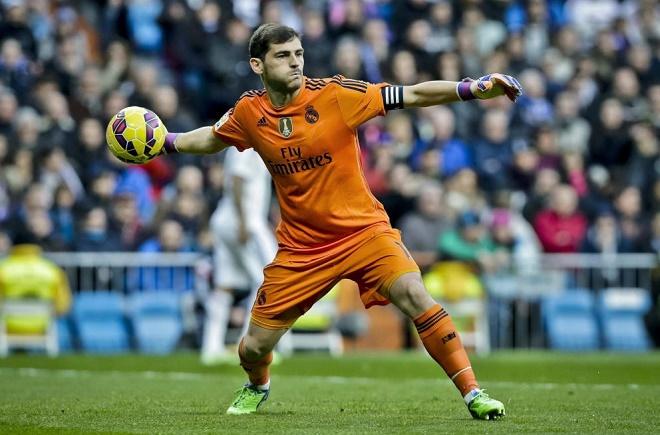 Real Madrid hủy theo dõi tài khoản Twitter của Iker Casillas