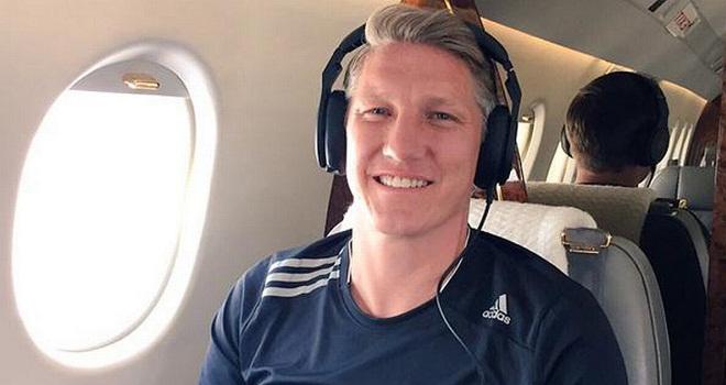 Man United công bố danh sách du đấu: Có Schneiderlin, Schweinsteiger. Không Rafael, Valdes